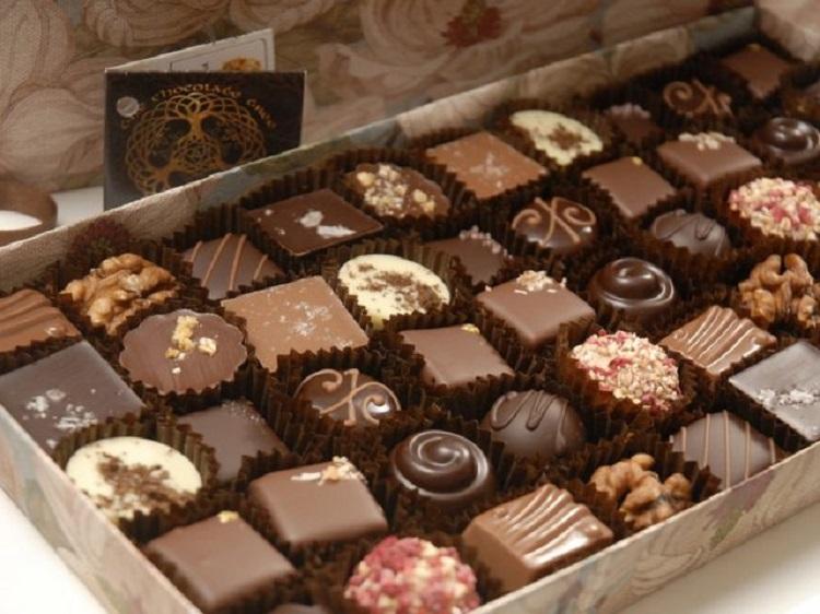 Красивые конфеты в коробке