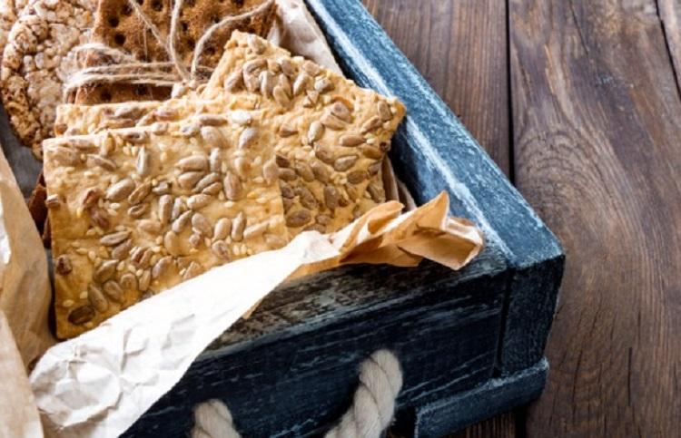 Зерновые хлебцы в коробке