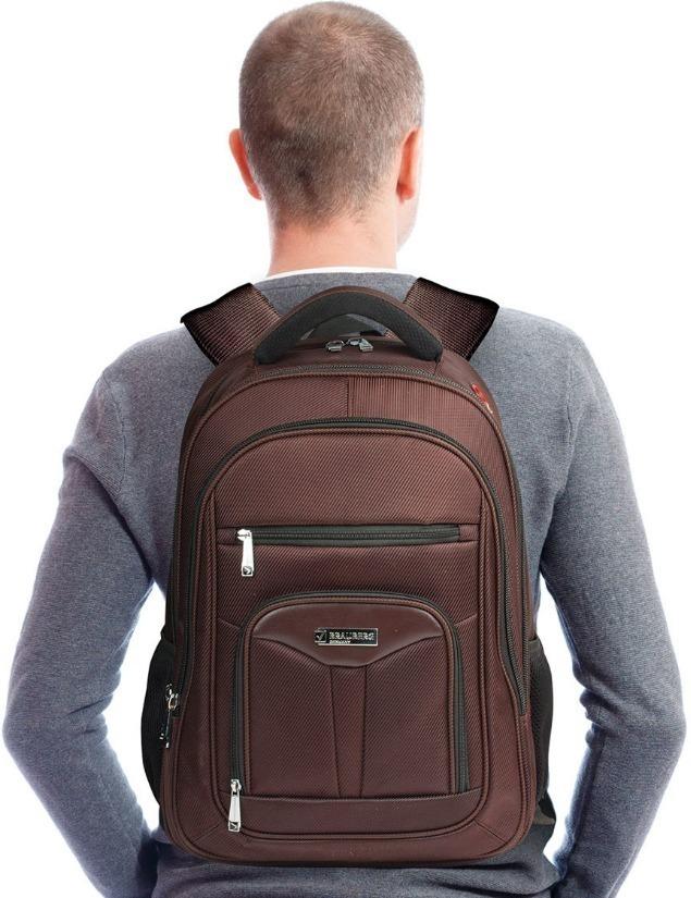 Рюкзак BRAUBERG на спине у парня
