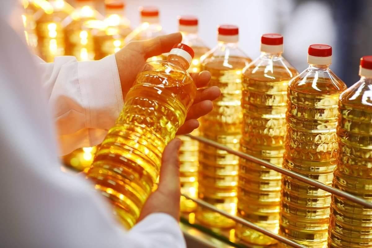 Подсолнечное масло в бутылках