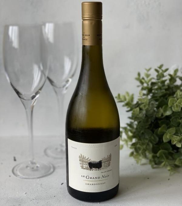 Le Grand Noir Chardonnay в бутылке